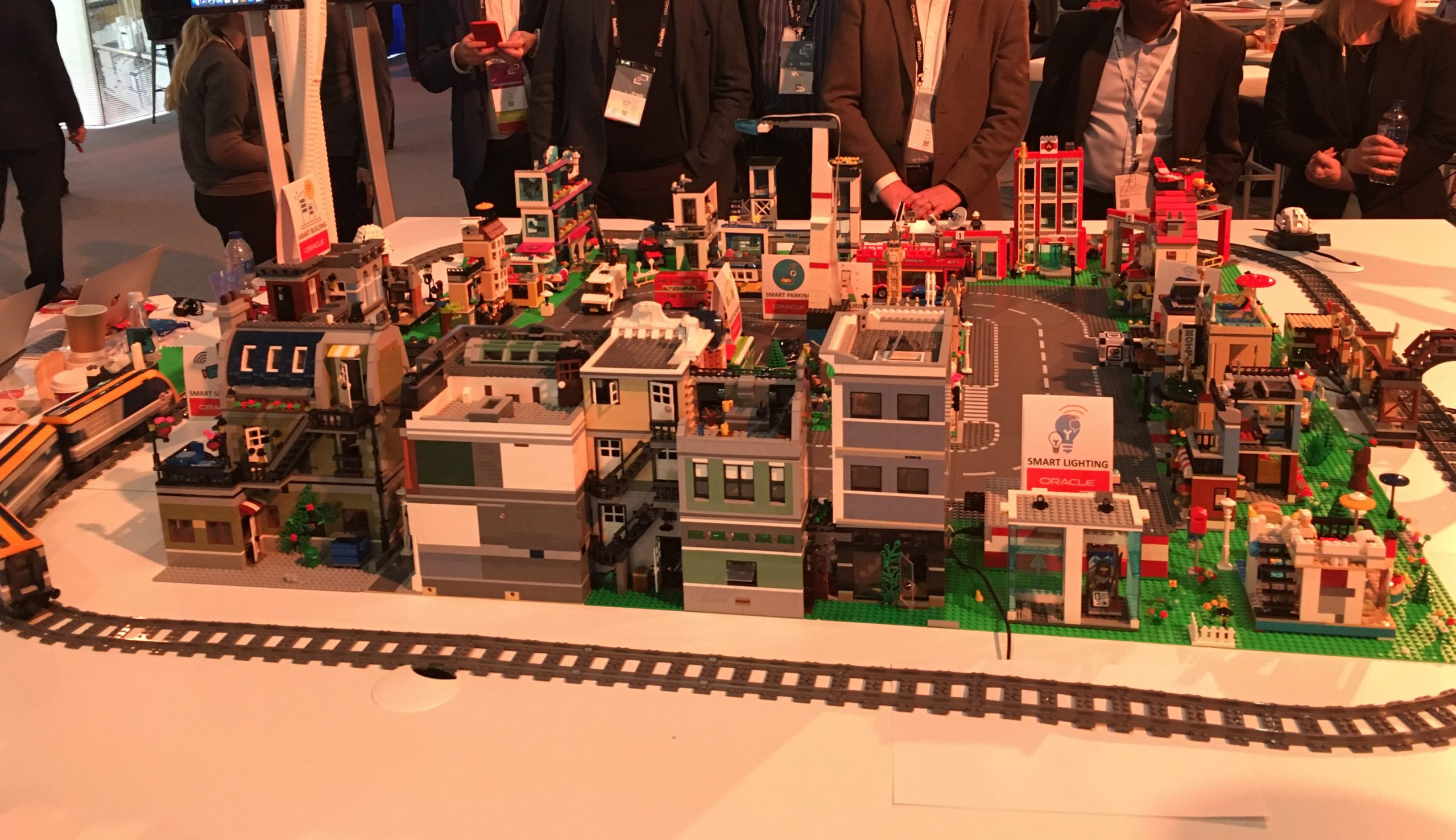 Oracle Cloud Connected Lego City